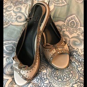 B Makowsky Leather Peep Toe Wedge Heels size 8M